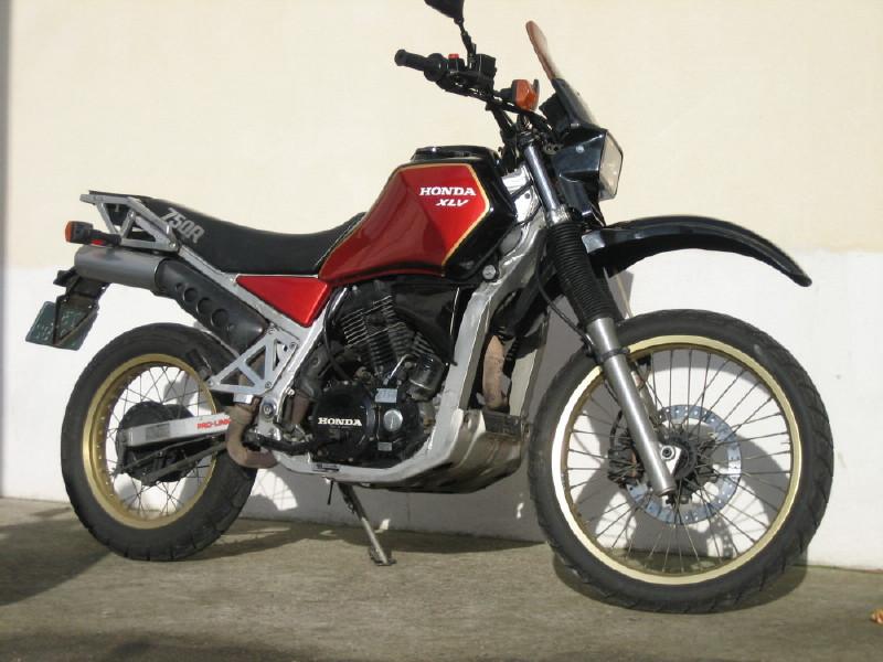 moto honda trail 750